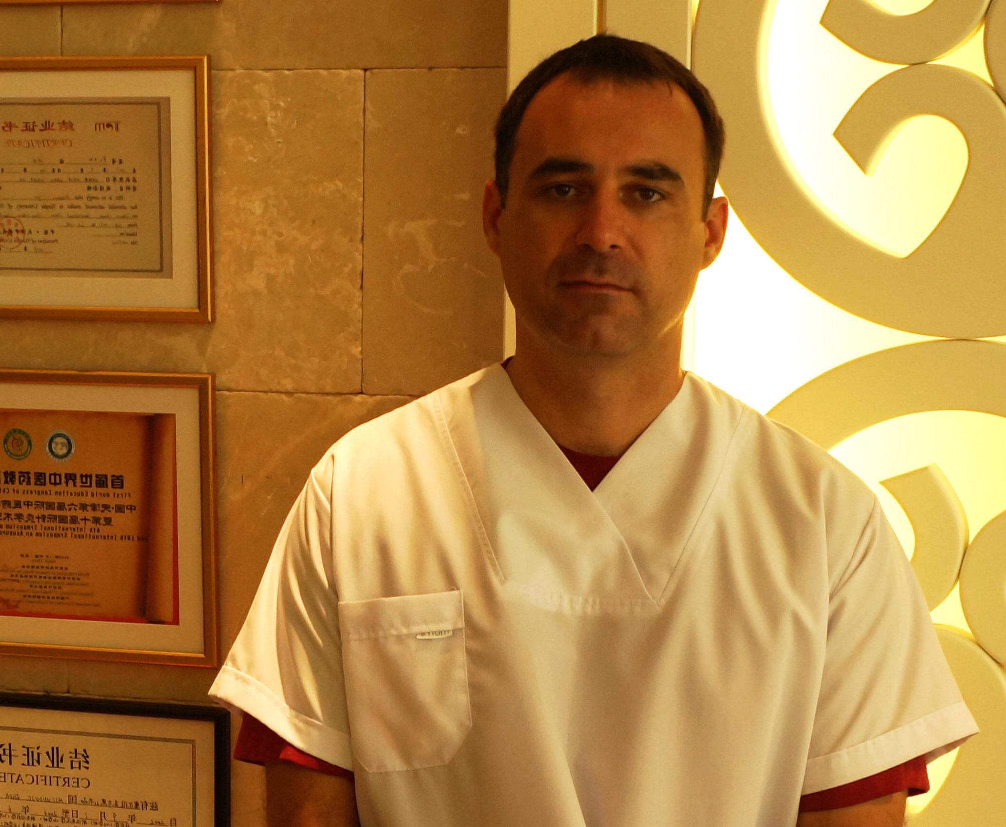 Dr sci. med. Igor Mićunović, predsjednik Obrazovnog komiteta Svjetske federacije kineske medicine – WFCMS: Protiv korona virusa organizovano i bez panike