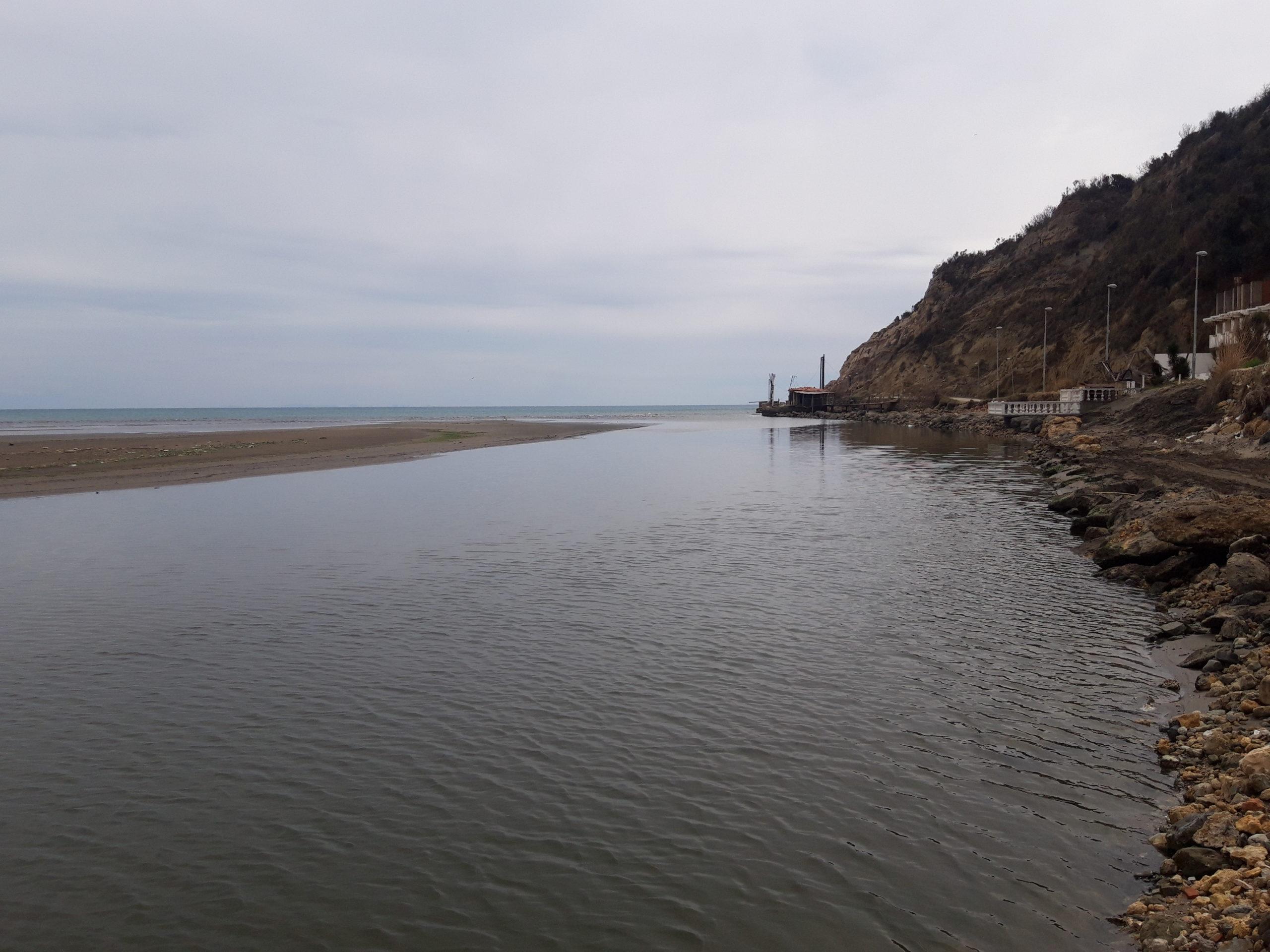 NADE ULCINJSKIH RIBARA I VLASNIKA PLOVILA: Čeka se luka spasa