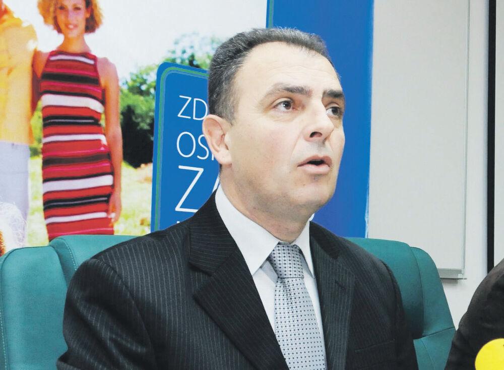IZBORI I IMENOVANJA NAKON IZBORA: Hrapović častio DPS direktore novim mandatom