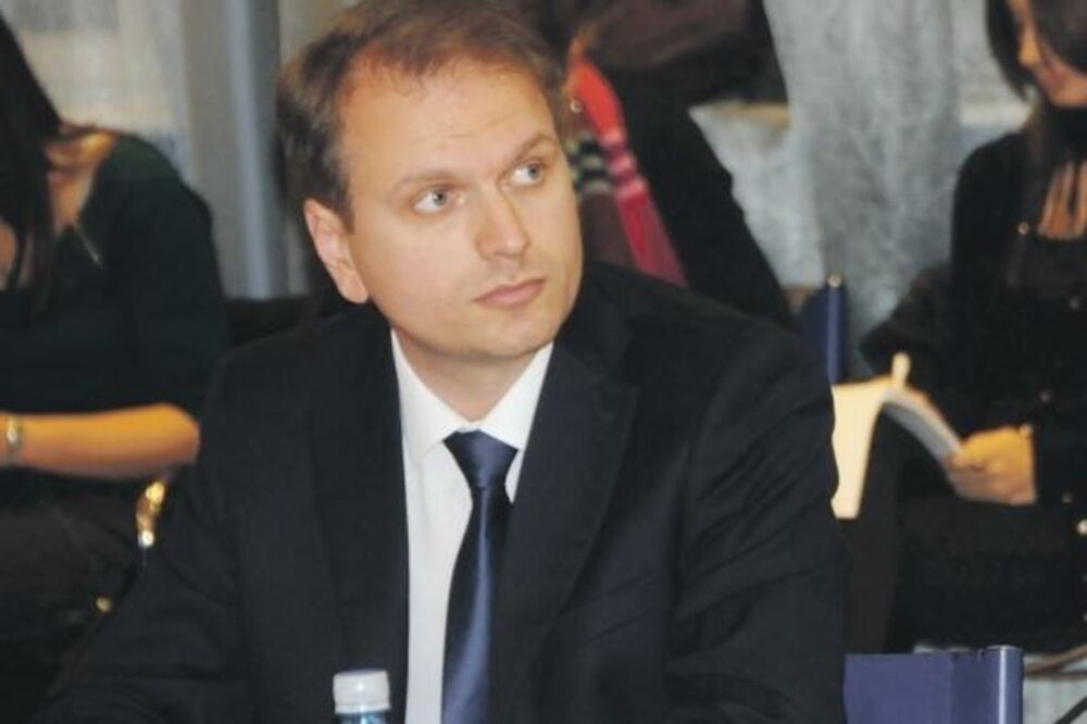SRĐA PERIĆ, ORGANIZACIJA KOD: Netaknut sistem vladanja