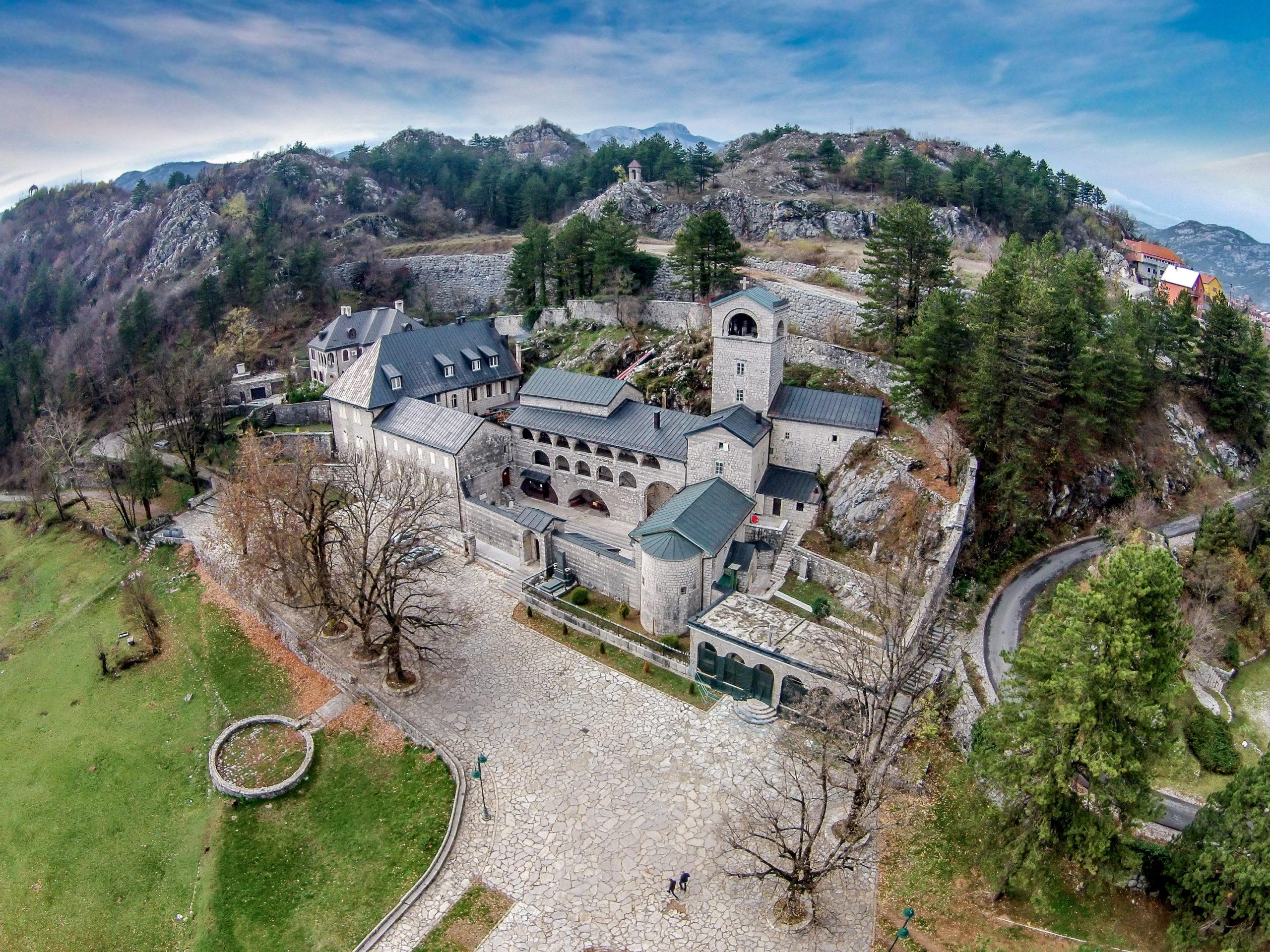 SIMBOL CRNE GORE U ŽARIŠTU BITKE ZA MOĆ: Čiji je Cetinjski manastir